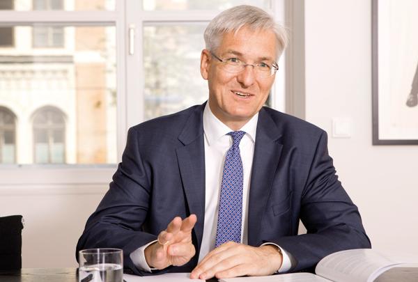 MAG. Dr. Hanno WOLLMANN  ist Partner bei Schönherr Rechtsanwälte GmbH