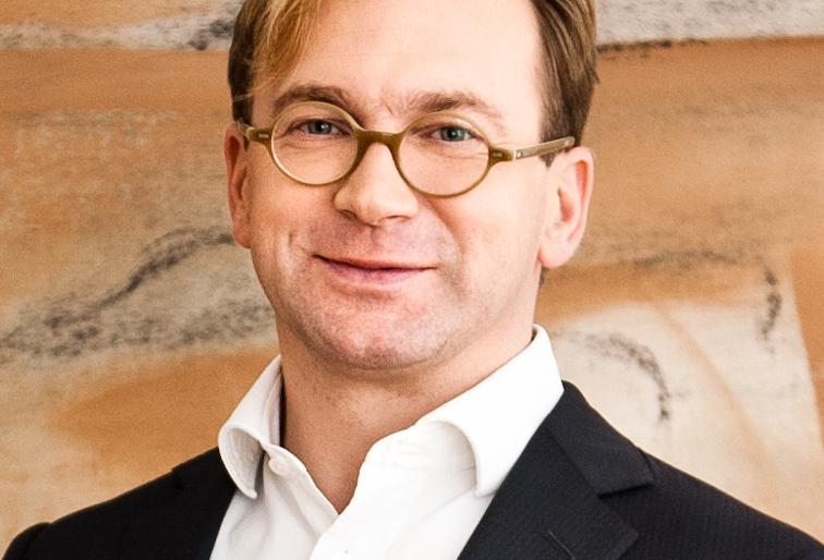 Dr. Bernhard Astner